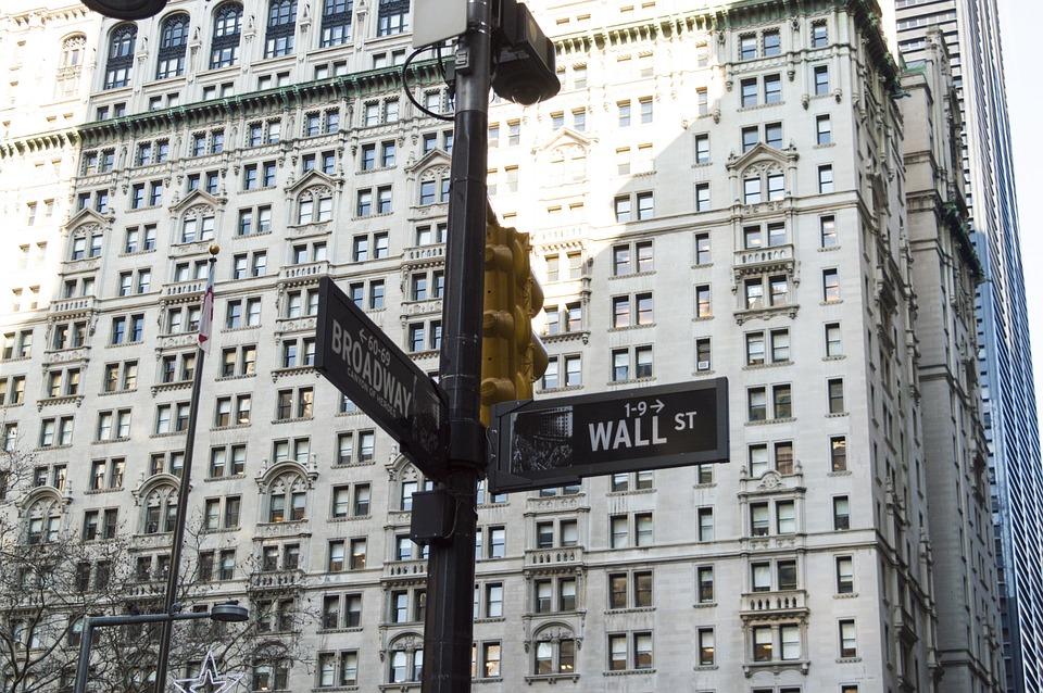wall-street-582921_960_720