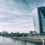 Europäische Geldpolitik unter ideologischer und nationaler Kritik